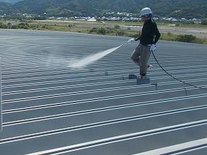 日本アクセス松山 高圧洗浄トリミング